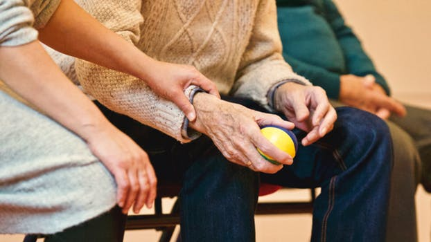 does Medicare help pay for assisted living facilities